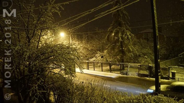 wólka nocą - śnieg, dużo śniegu